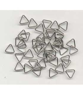 ANILLAS TRIANGULARES 8x1 MM COLOR PLATINO 50 UD